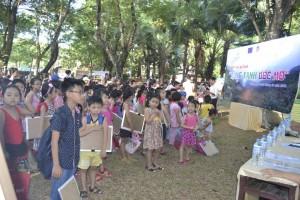 Lễ khai mạc liên hoan vẽ tranh sôi nổi tại công viên Lý Tự Trọng