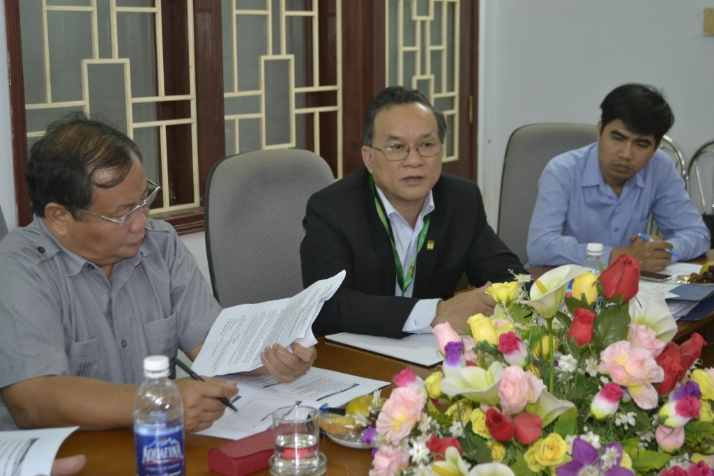TS. Le Van An NLU Rector attended the meeting